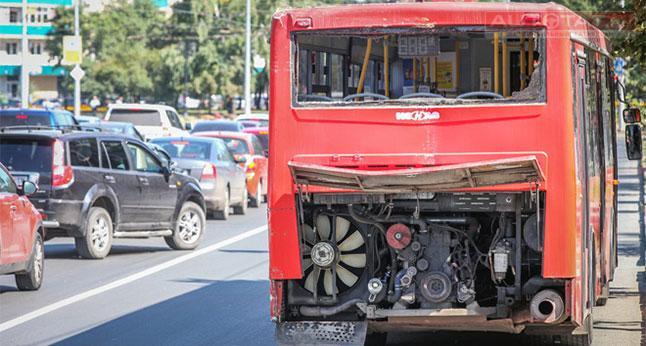 ВКазани автобус наостановке насмерть сбил пешехода