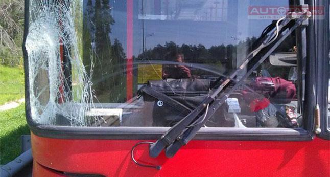 16-летний ребенок вКазани попал под колеса автобуса