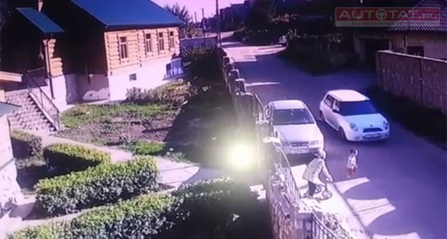 ВКазани автоледи наиномарке сбила 3-х летнего ребенка