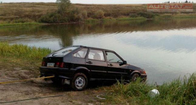 ВТатарстане шофёр «ЛАДА» потонул возере вместе смашиной