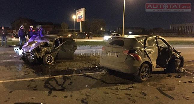 ДТП вЧелнах: чтобы спасти девушку, спасателям довелось распилить авто