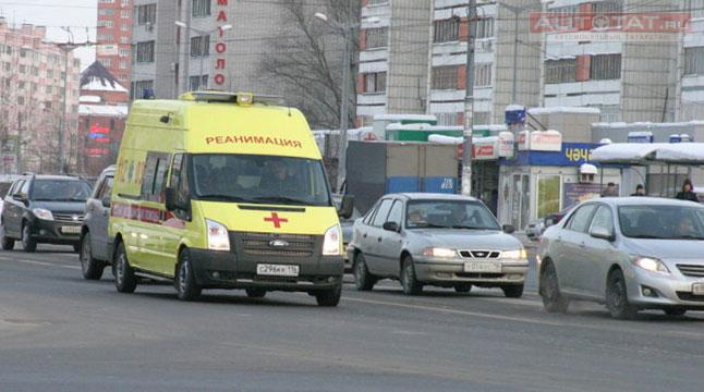 ВКазани шофёр на«Форде» сбил 78-летнюю женщину напешеходном переходе