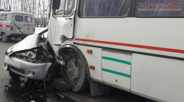 ВТатарстане девушка погибла вДТП впроцессе прямой трансляции