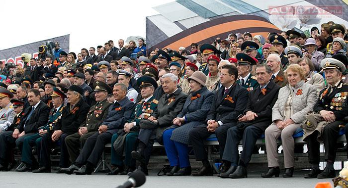 Впараде Победы вКазани приняли участие 1800 человек