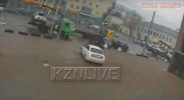 Мужчина вКазани умер, пытаясь догнать эвакуатор сосвоим автомобилем
