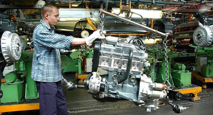 АвтоВАЗ завлекает молодых ирьяных зарплатой ижильем