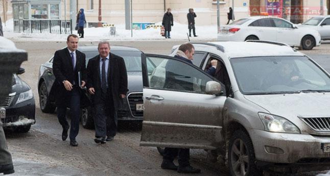 Татарстан стал седьмым регионом России по количеству дорогих авто у чиновников
