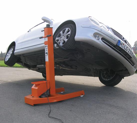 Мобильный электромеханический подъемник ProfiMaster 3000 Работает от розетки 220 В...